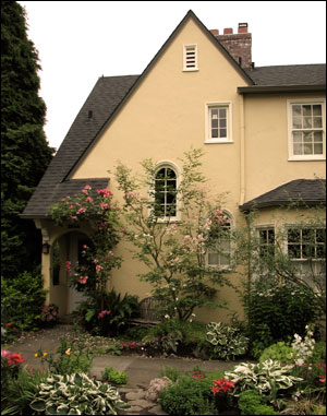 Landscape ideas for vintage homes